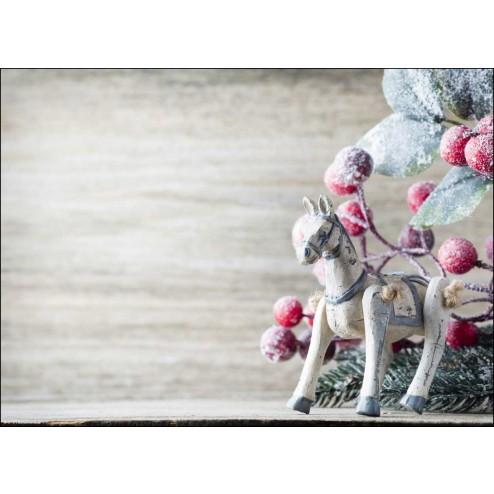 Weihnachtliches Motiv mit verschneitem Holzpferdchen und Zweigen - Tischset aus Papier 44 x 32 cm