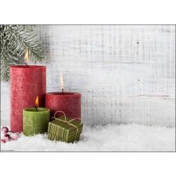 Weihnachtliches Motiv mit Kerzen und Tannenzweig auf Schnee - Tischset aus Papier 44 x 32 cm